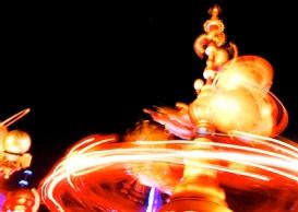 Spinny rocket ride at night-1